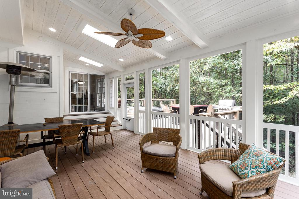 Screened Porch - 10658 CANTERBERRY RD, FAIRFAX STATION