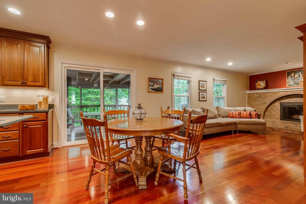 Open Floor plan - 4820 POWELL RD, FAIRFAX