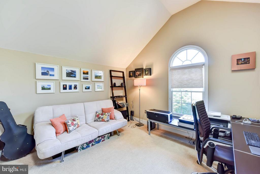 Bedroom #3 on 4th level is perfect for an office - 505 THOMAS ST N, ARLINGTON