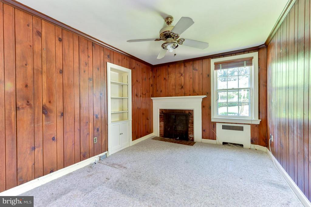 Wood Paneled Den with a Fireplace - 2101 WALTONWAY RD, ALEXANDRIA