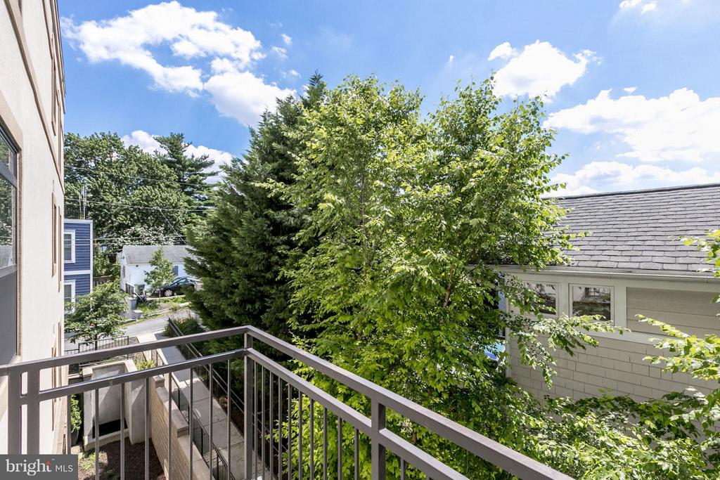 2nd Balcony Off Den - 2702 LEE HWY #3B, ARLINGTON
