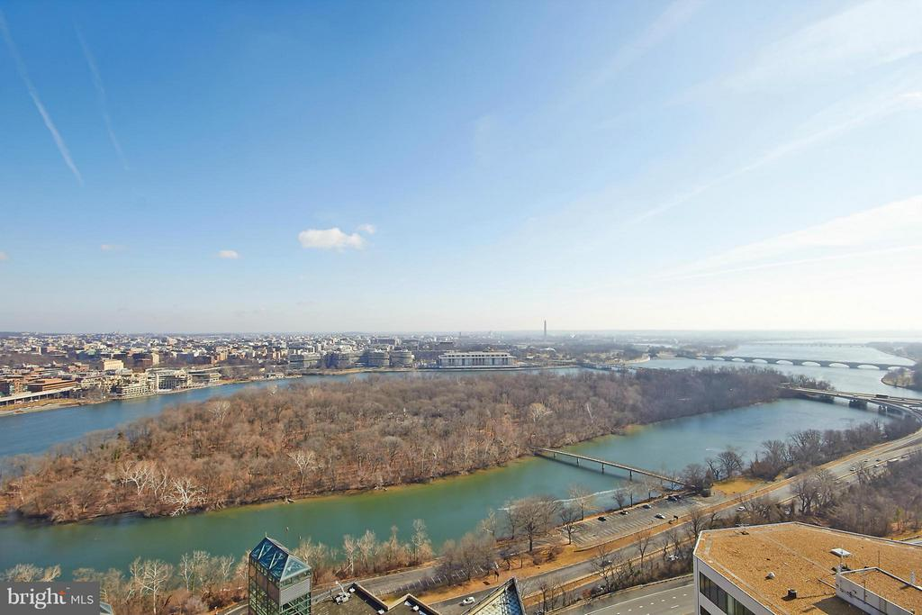 View from Roof Top - Best in the Area! - 1111 19TH ST N #1503, ARLINGTON