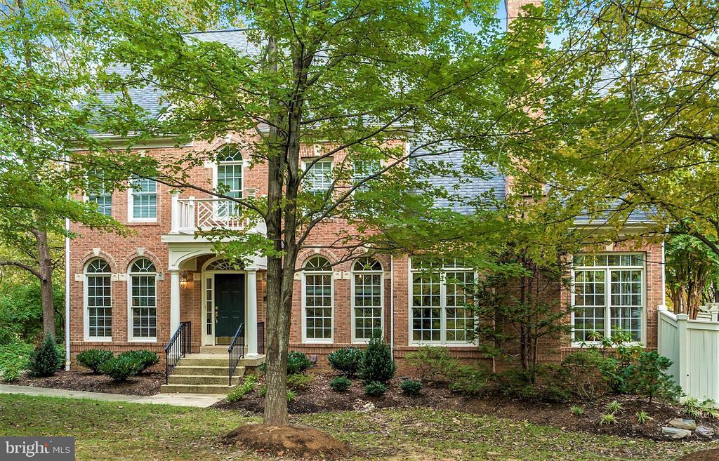 Fairfax Homes for Sale -  Golf Course,  3998  BALLYNAHOWN CIRCLE