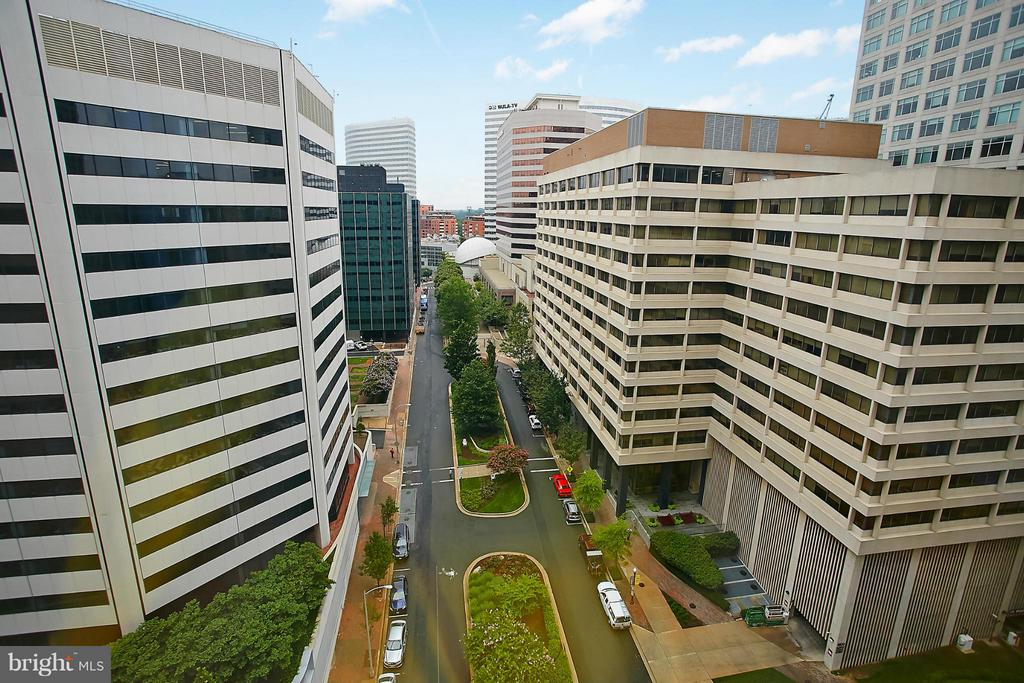 View of Rosslyn from Living Room - 1111 19TH ST N #1503, ARLINGTON