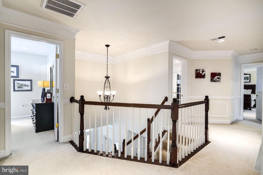 Bedroom Level Hallway - 3321 LADY CATHERINE CIR, TRIANGLE