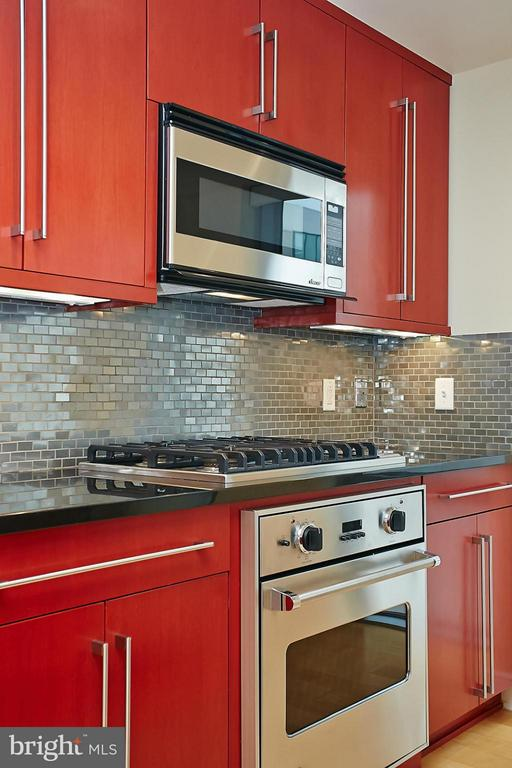 Gorgeous Red Wood Mode Cabinetry - 1111 19TH ST N #1503, ARLINGTON