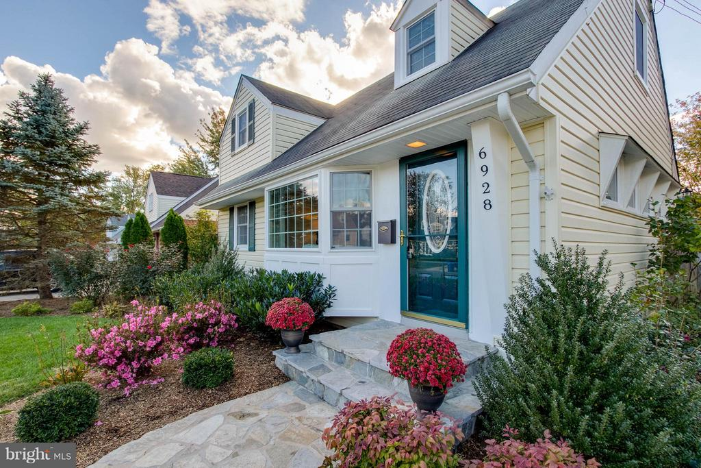 Simply Charming! - 6928 COLUMBIA DR, ALEXANDRIA