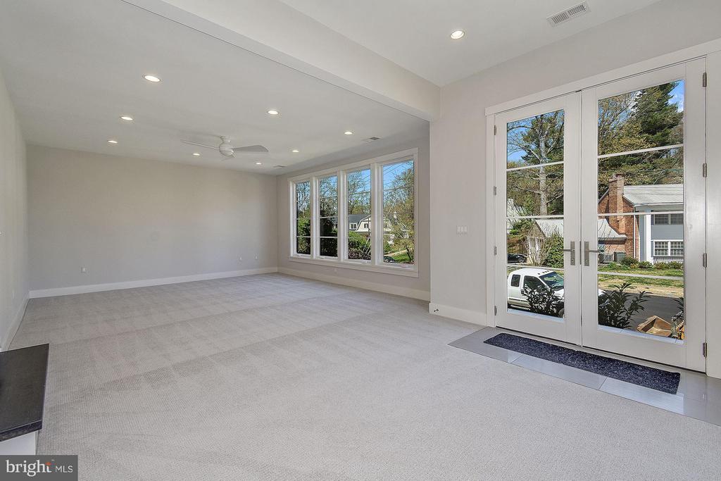 Recreation Room - 3701 38TH ST N, ARLINGTON