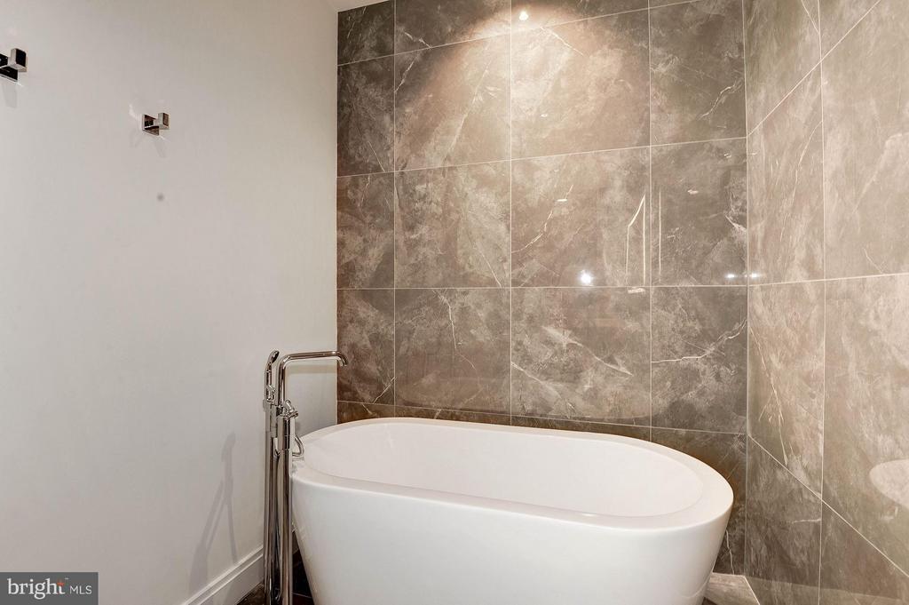 Bath (Master) - 1427 RHODE ISLAND AVE NW #301, WASHINGTON