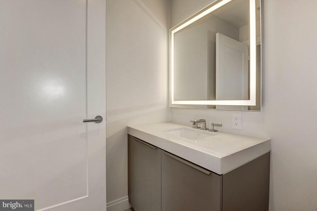 Half bath - 1427 RHODE ISLAND AVE NW #301, WASHINGTON
