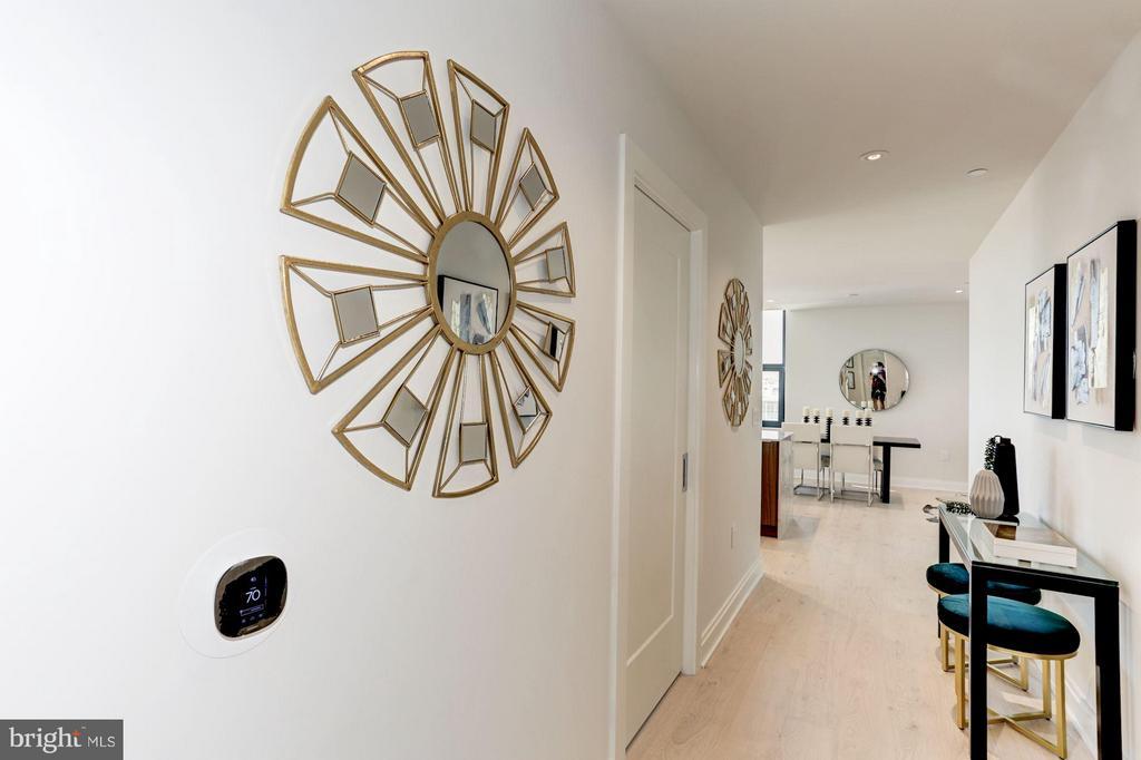 Entry foyer - 1427 RHODE ISLAND AVE NW #PH3, WASHINGTON