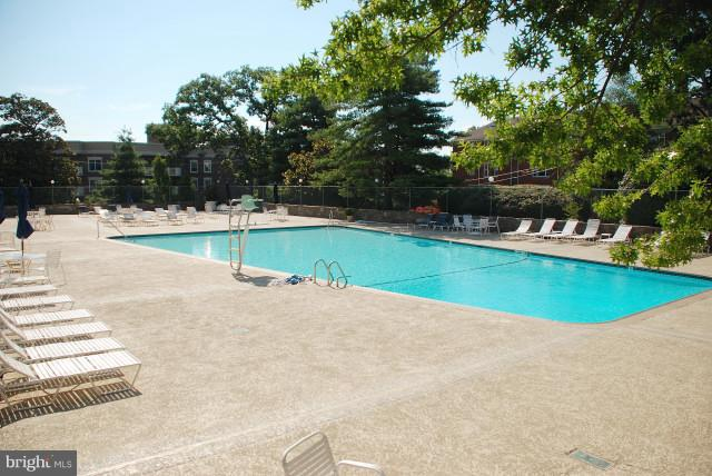 Beautiful PH pool - 1200 NASH ST #830, ARLINGTON