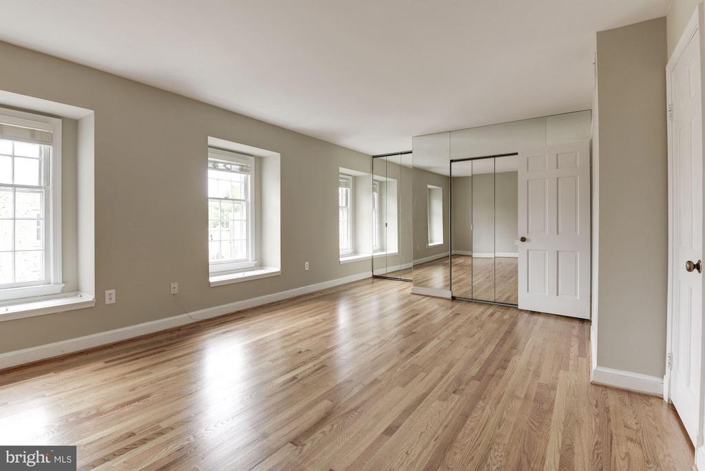 Bedroom (Master) - 1346 LYNNBROOK DR N, ARLINGTON