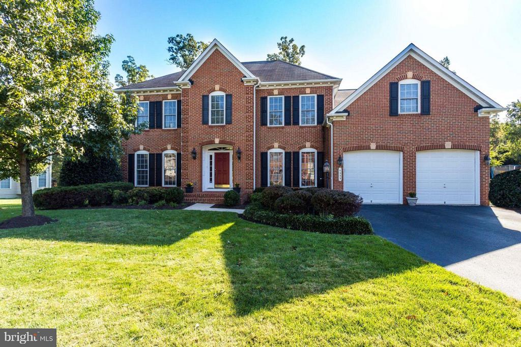 One of Alexandria 5 Bedroom Homes for Sale at 6333  RIVER DOWNS ROAD