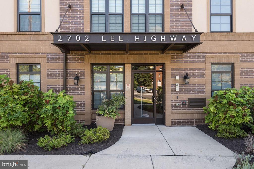 Secure entry - 2702 LEE HWY #2B, ARLINGTON