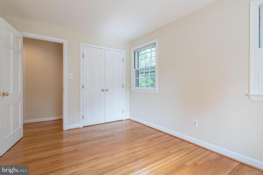 3rd upper level bedroom - 6212 RANDALL CT, ALEXANDRIA