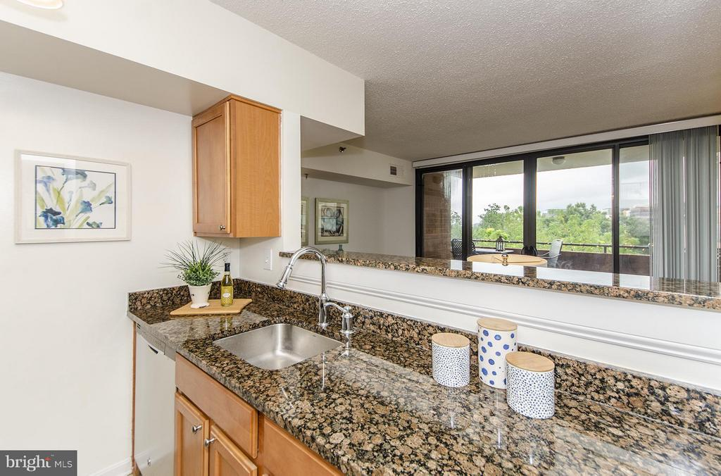 Open to living and dining room - 1001 RANDOLPH ST N #722, ARLINGTON