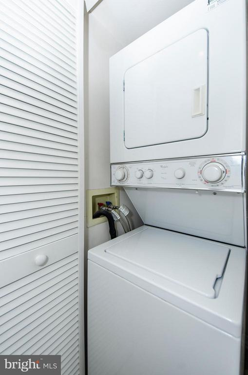 No more trips to the laundry center... - 1001 RANDOLPH ST N #722, ARLINGTON