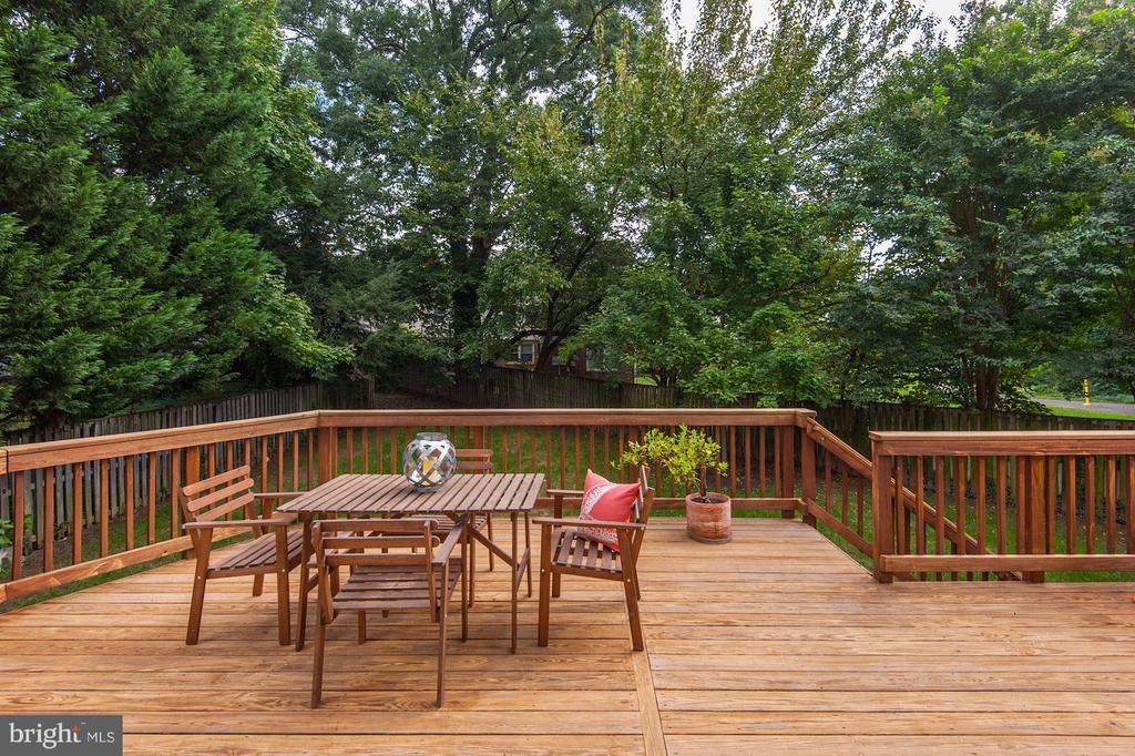 Deck overlooks flat and fenced back yard. - 103 CLEVELAND ST, ARLINGTON