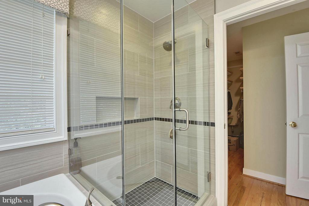 Master Bath Separate Shower - 6025 GROVE DR, ALEXANDRIA