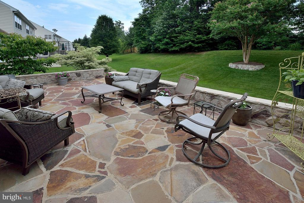 Rear Patio - 5211 TULIP LEAF CT, CENTREVILLE