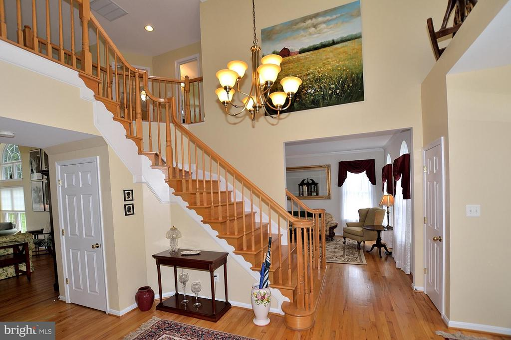 Foyer - 5211 TULIP LEAF CT, CENTREVILLE