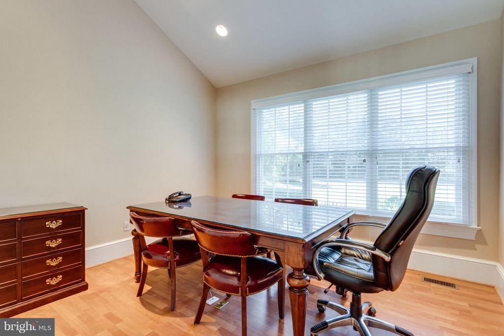 Office Conference Room or possible In-Law Suite - 10431 NEW ASCOT DR, GREAT FALLS