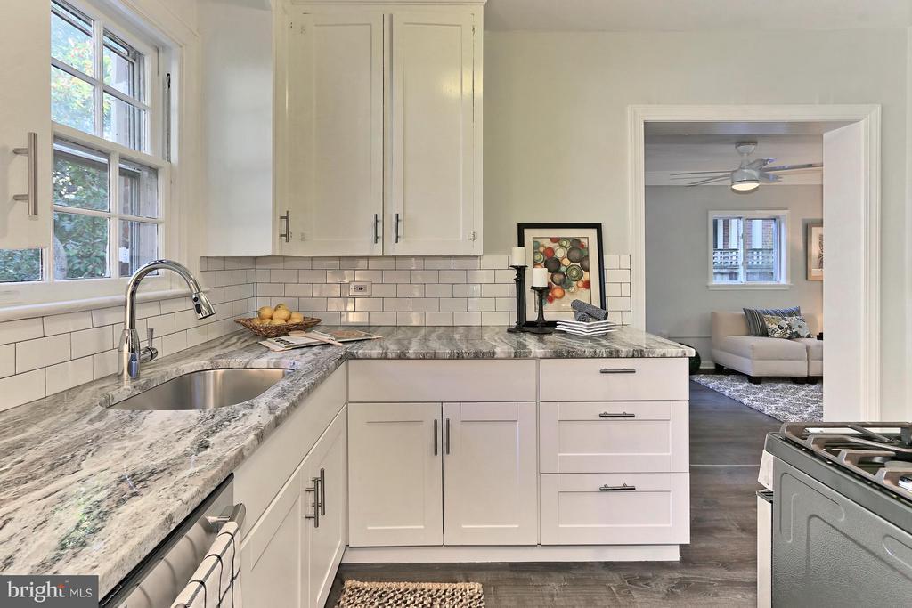 Kitchen - 3712 PERSHING DR N, ARLINGTON