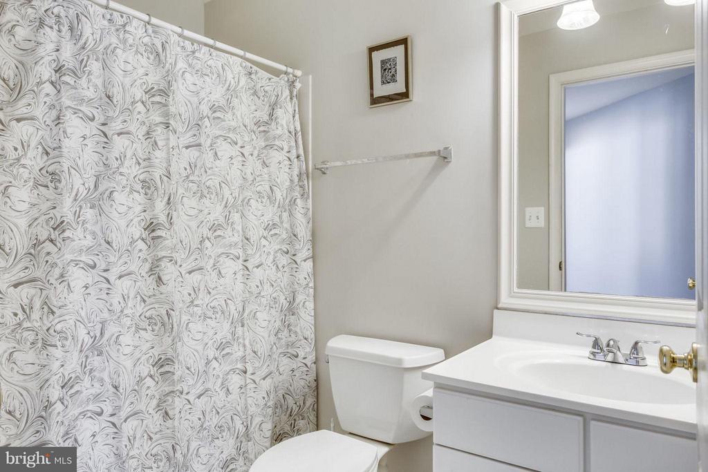 Hall bathroom - 12079 TRUMBULL WAY, RESTON