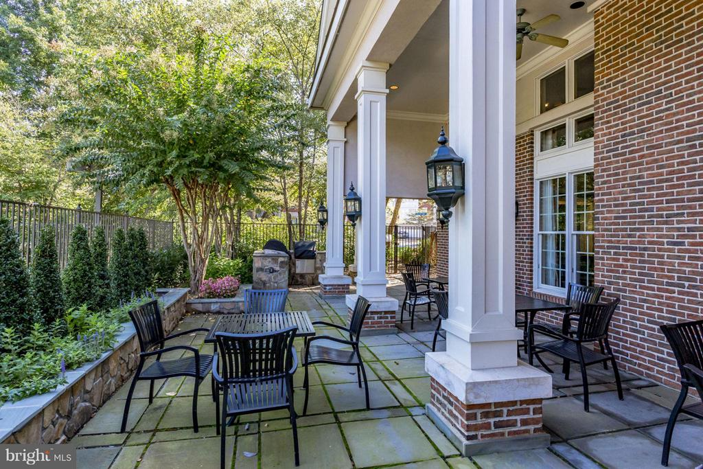 Outside patio at the community center - 12079 TRUMBULL WAY, RESTON