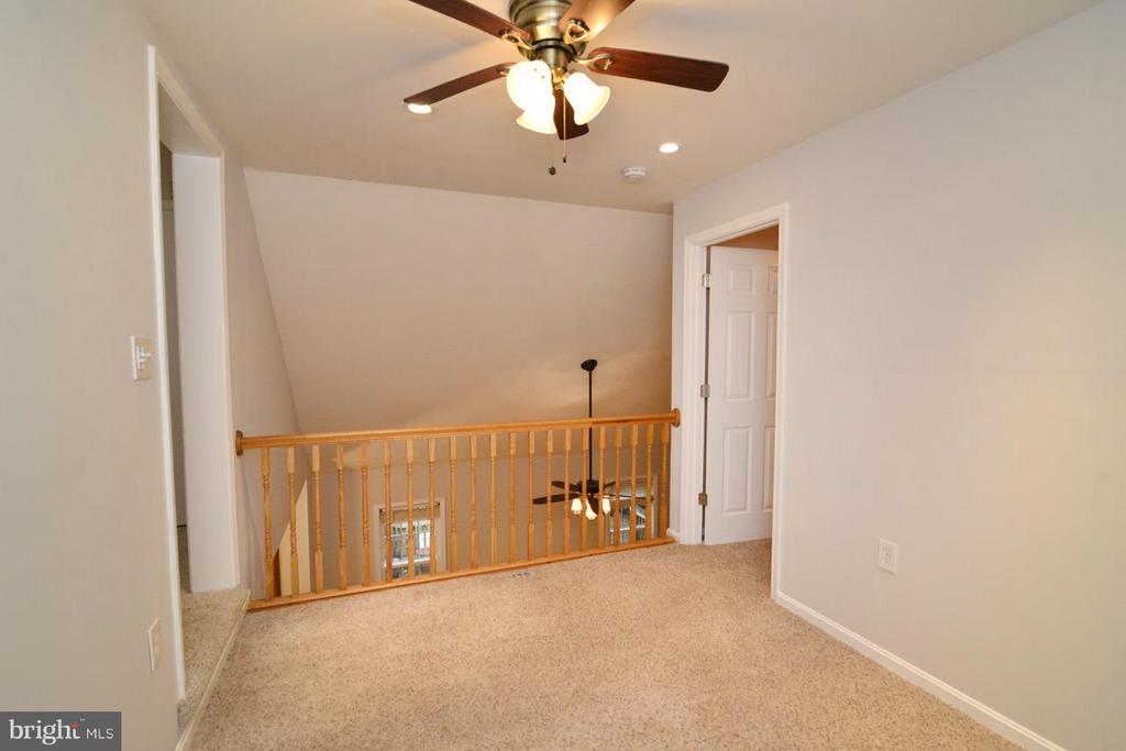 Loft Upper Level - 11206 BRADBURY LN, RESTON
