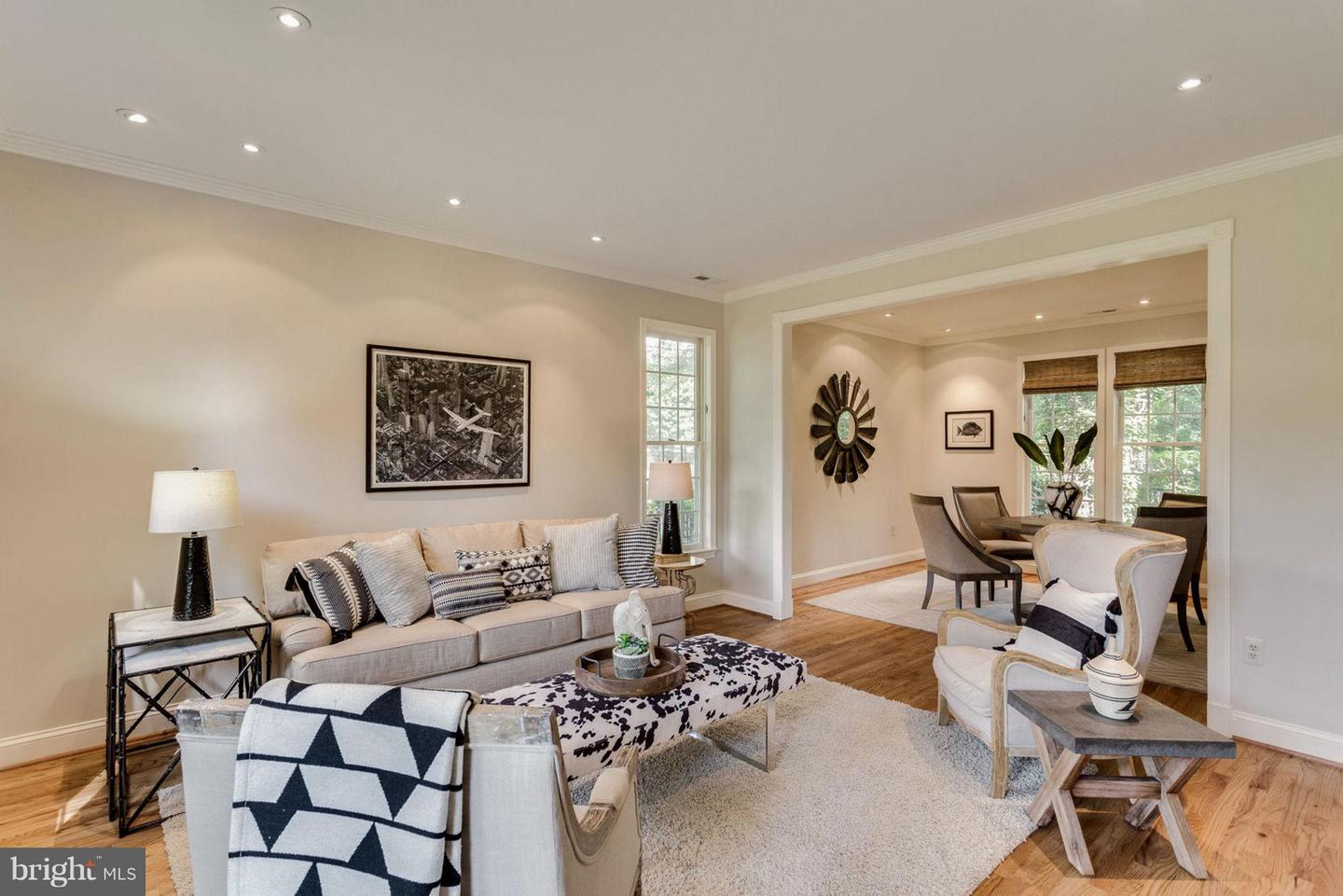 Additional photo for property listing at 1262 Olde Towne Rd 1262 Olde Towne Rd Alexandria, Virginia 22307 United States