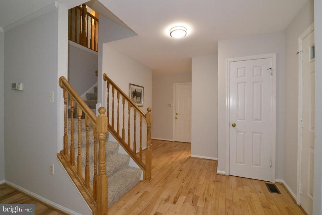 Foyer - 11206 BRADBURY LN, RESTON