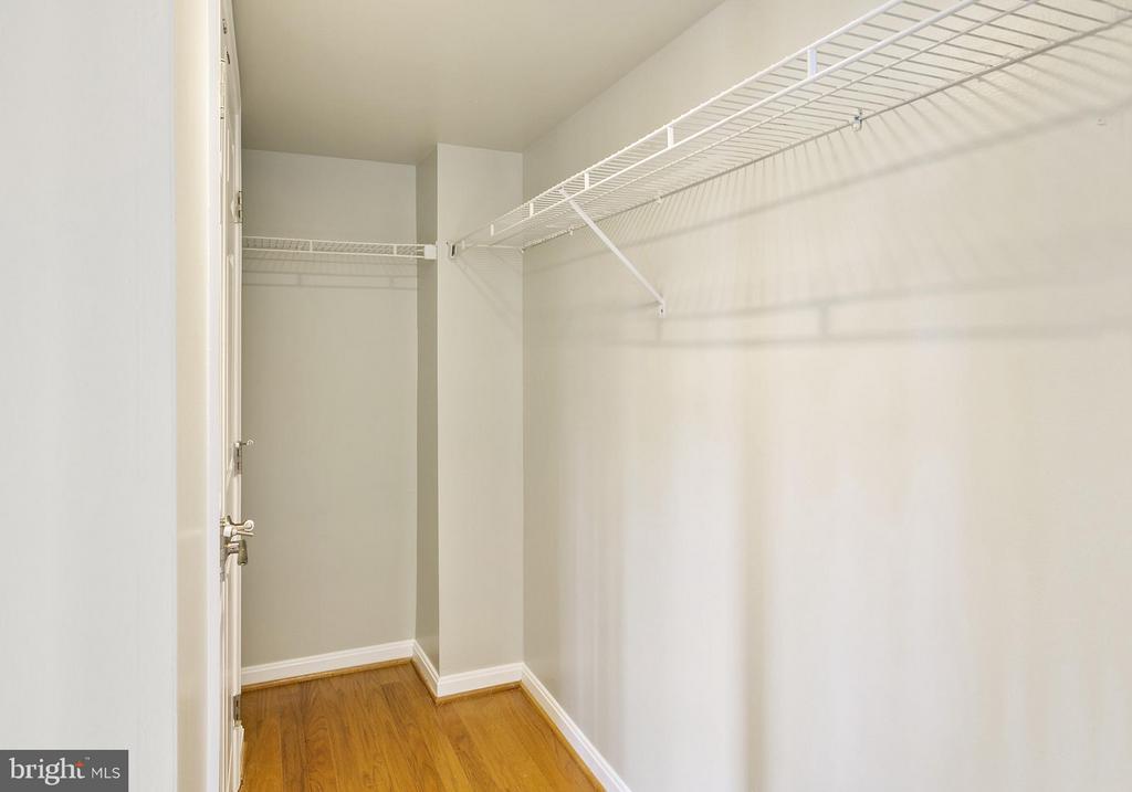 Bedroom closet - 1515 ARLINGTON RIDGE RD S #503, ARLINGTON