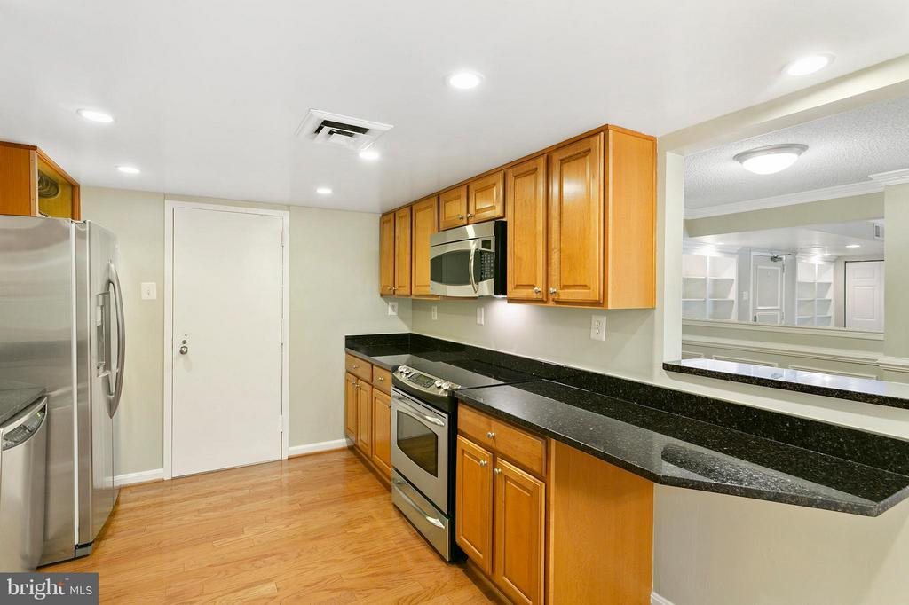 Kitchen - 1515 ARLINGTON RIDGE RD S #503, ARLINGTON
