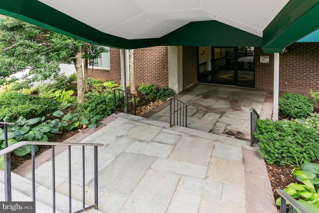Exterior (General) - 1515 ARLINGTON RIDGE RD S #503, ARLINGTON