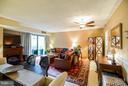 Living Room - 1530 KEY BLVD #527, ARLINGTON
