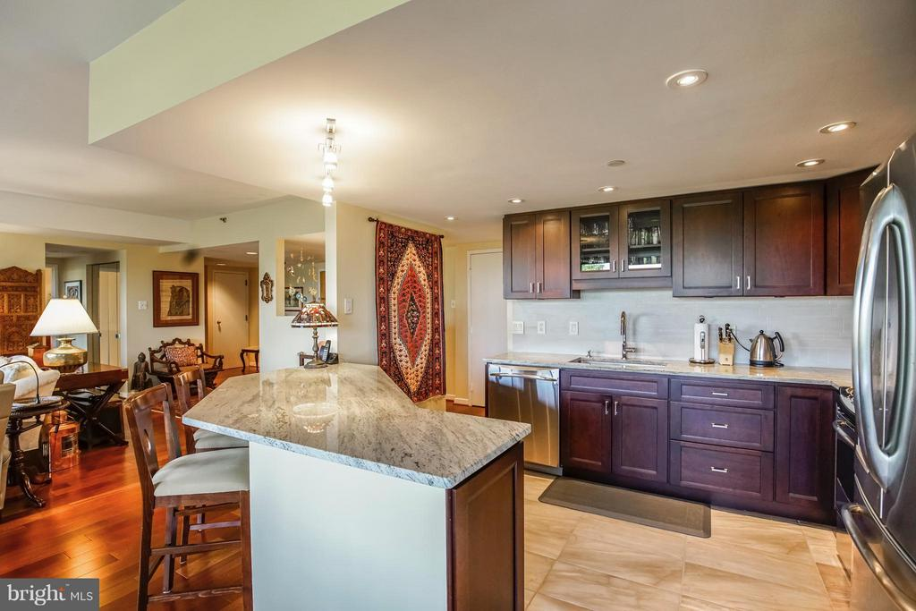 Kitchen - 1530 KEY BLVD #506, ARLINGTON