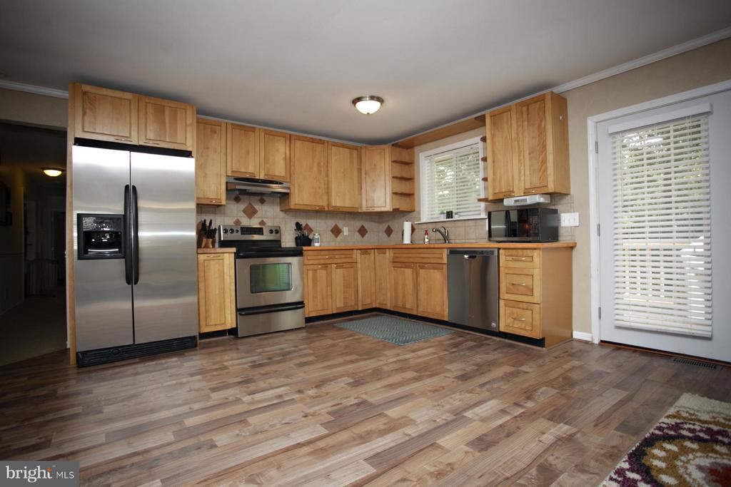 Kitchen - 1 SUMNER CT, FREDERICKSBURG