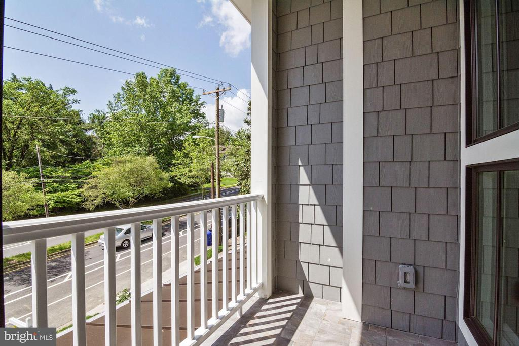 Enjoy your coffee on the private balcony! - 5601 WILLIAMSBURG BLVD, ARLINGTON