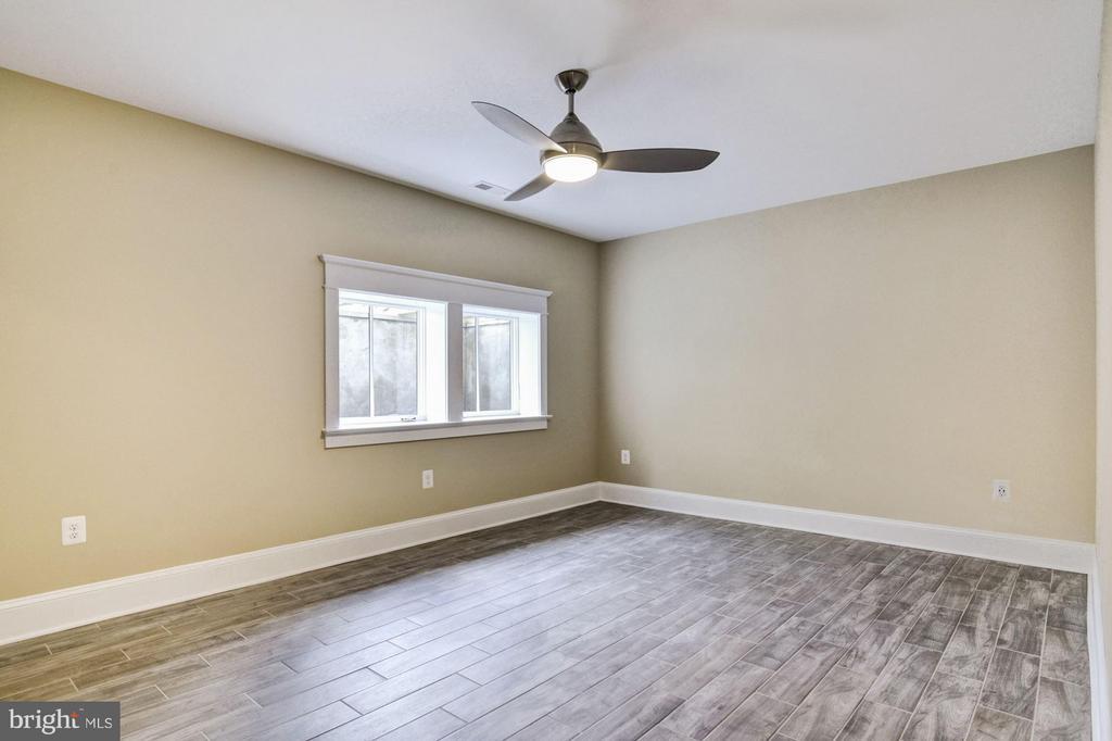 6th Bedroom or Office (lower level) - 5601 WILLIAMSBURG BLVD, ARLINGTON