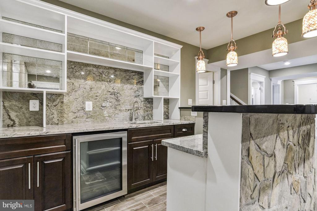 Authentic stone & granite bar in lower level - 5601 WILLIAMSBURG BLVD, ARLINGTON