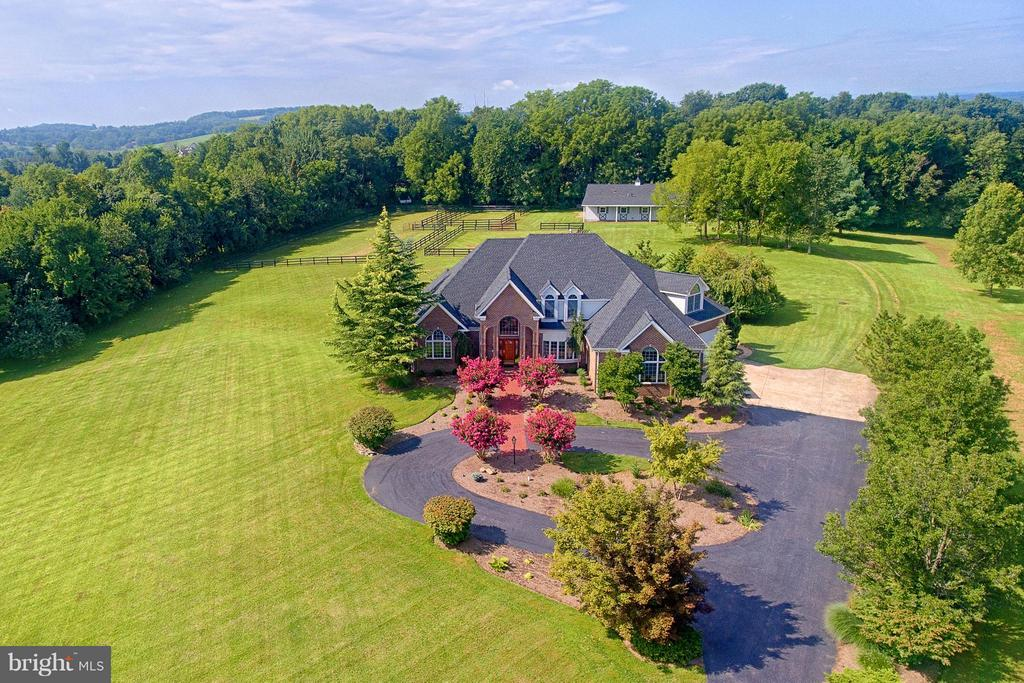 GORGEOUS Custom Home and Barn/Workshop on 4.26 Ac - 40821 HANNAH DR, WATERFORD