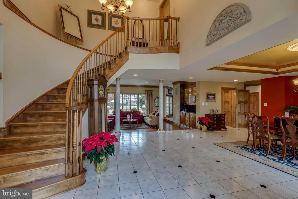 Grand Foyer Entrance - 40821 HANNAH DR, WATERFORD