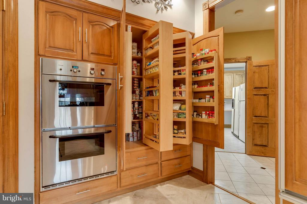 Kitchen Custom Built Hinged Pantry-AMAZING storage - 40821 HANNAH DR, WATERFORD