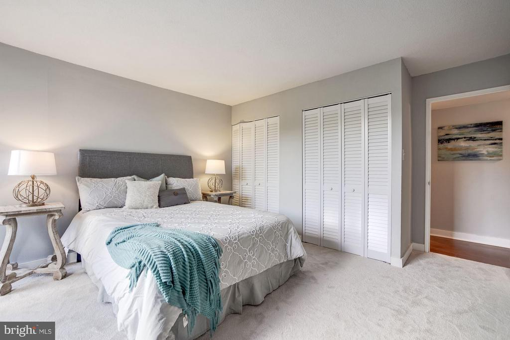 Spacious layout. Located at the end of the hallway - 4600 FOUR MILE RUN DR #303, ARLINGTON