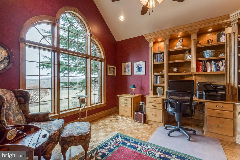 Library/Office - Custom Maple Built-ins - 40821 HANNAH DR, WATERFORD