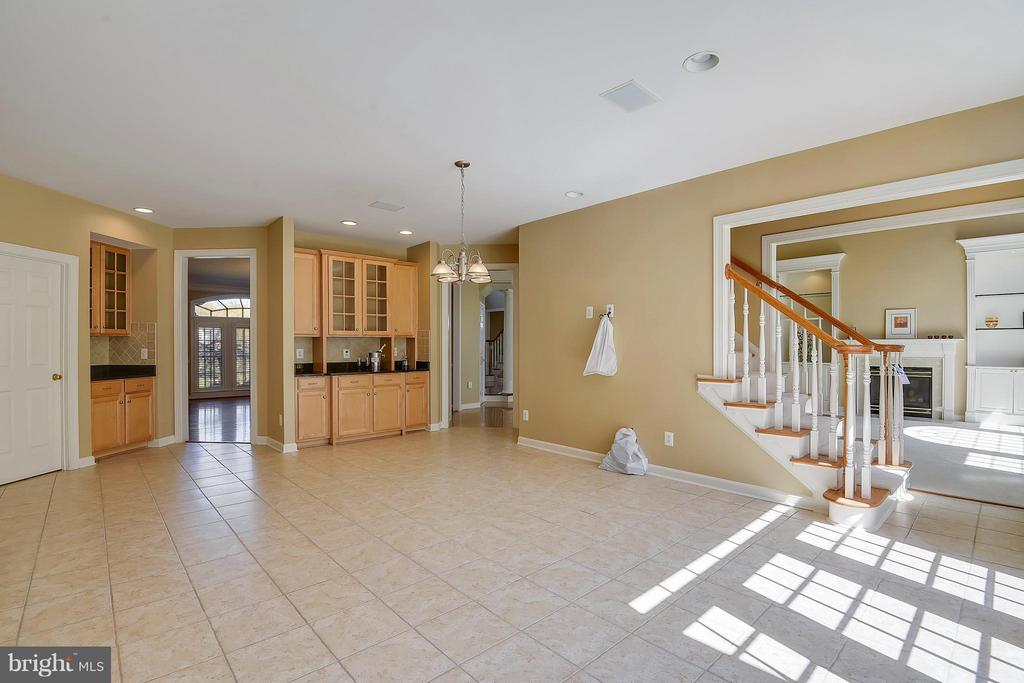 The Space in this kitchen is unending. - 42739 CEDAR RIDGE BLVD, CHANTILLY
