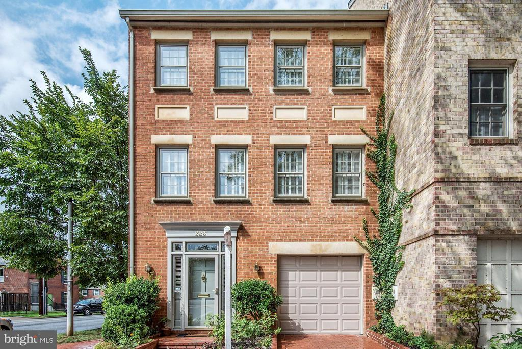 223  PRINCESS STREET, Alexandria, Virginia