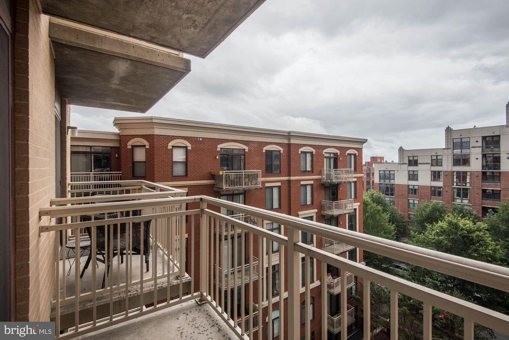 Private balcony - 1201 GARFIELD ST #602, ARLINGTON